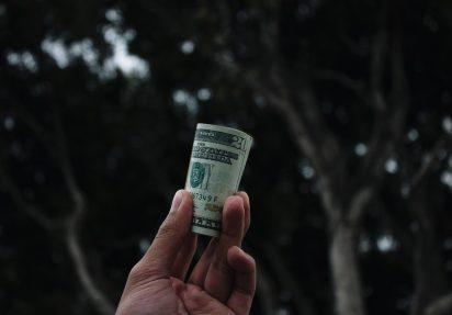 bilde av en 20 dollarseddel